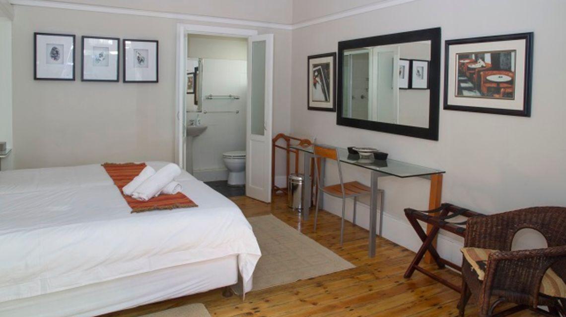 Conifer Beach House 39 Windermere Road Humewood Port Elizabeth 041 585 5959